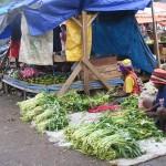 Mama-mama Papua di Pasar Yotefa. Perempuan masih dianaktirikan. (JUBI/Foto:Yunus Paelo)
